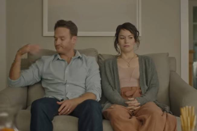 Holly Slept Over 2020 Film Opis i Radnja Filma, U kinima, Trailer